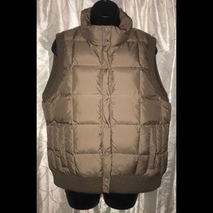 ⬇️J.Crew quilted down feather puffer vest